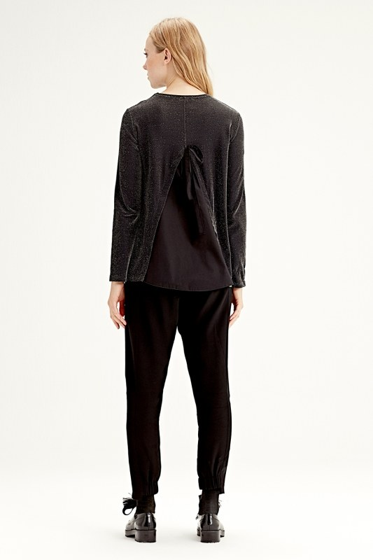Garni-Backed Blouse (Black)