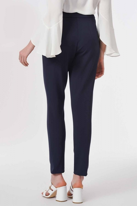 Basic Narrow Trousers (Navy Blue)