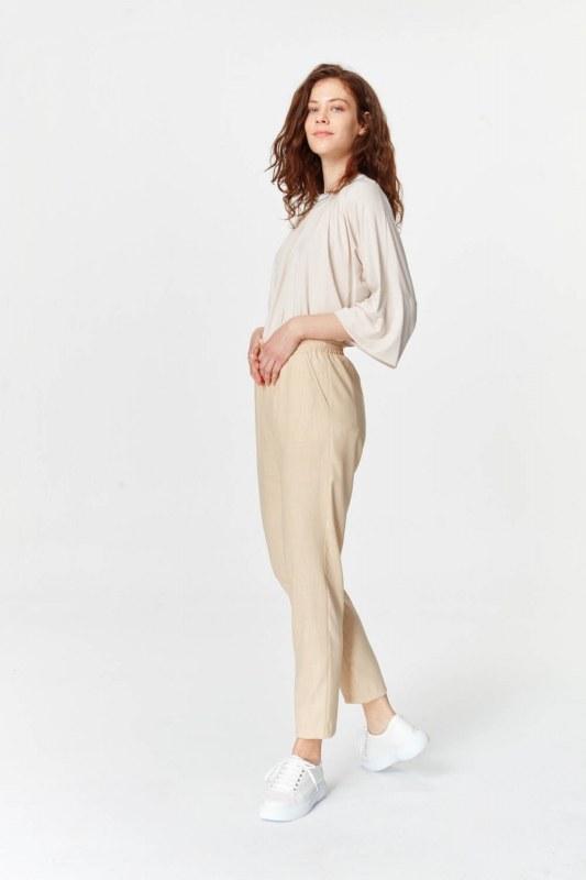 Pockets Detailed Elastic Waist Pants (Beige)