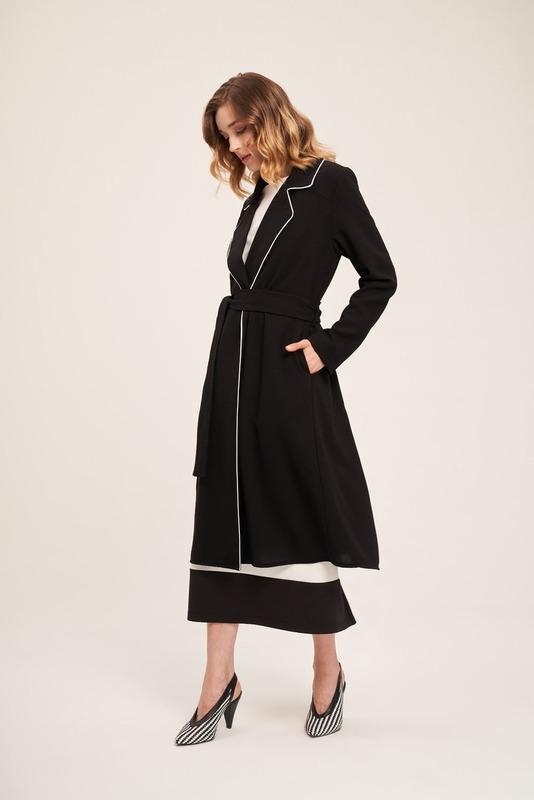 Biye Detaylı Uzun Krep Ceket (Siyah)
