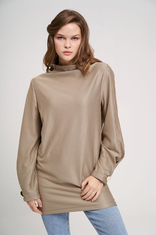 Büyük Düğmeli Sweatshirt (Bej)