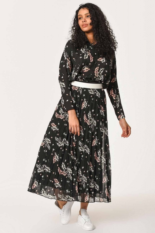 Flower Pattern Pleated Skirt (Black)
