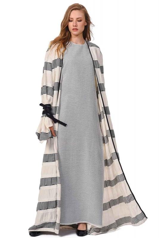 Line Detailed Design Kimono (Black/White)