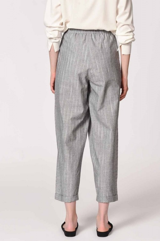 Striped Piece Trousers (Grey)
