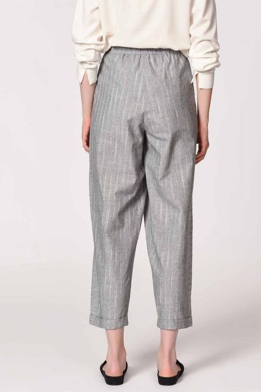 Çizgili Parça Detaylı Pantolon (Gri)