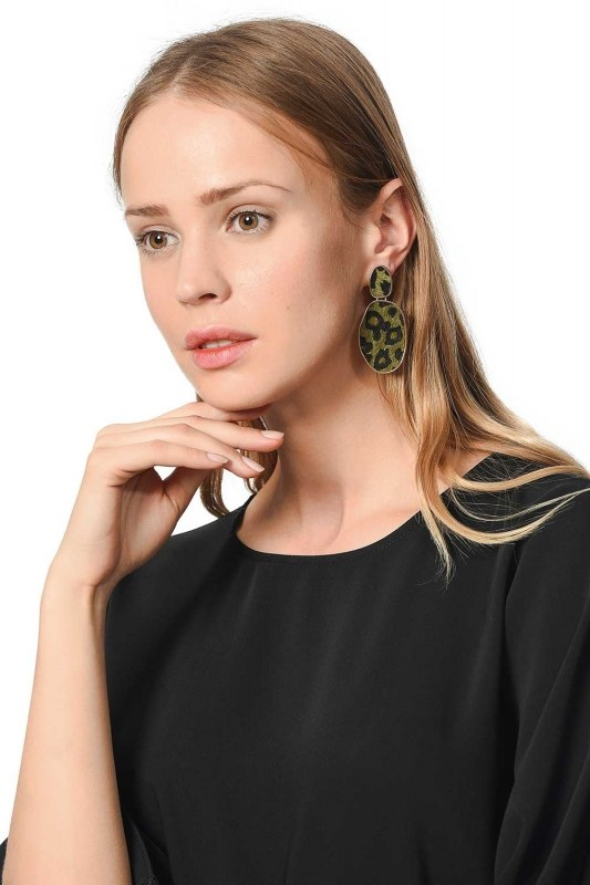 Patterned Oval Earrings (Khaki)