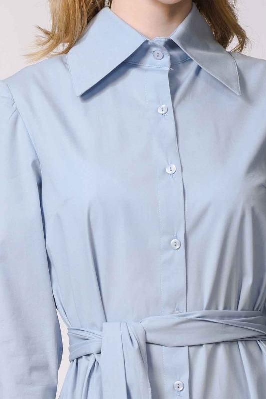 فستان القميص مع ذوي الياقات البيضاء (أَزْرَق)