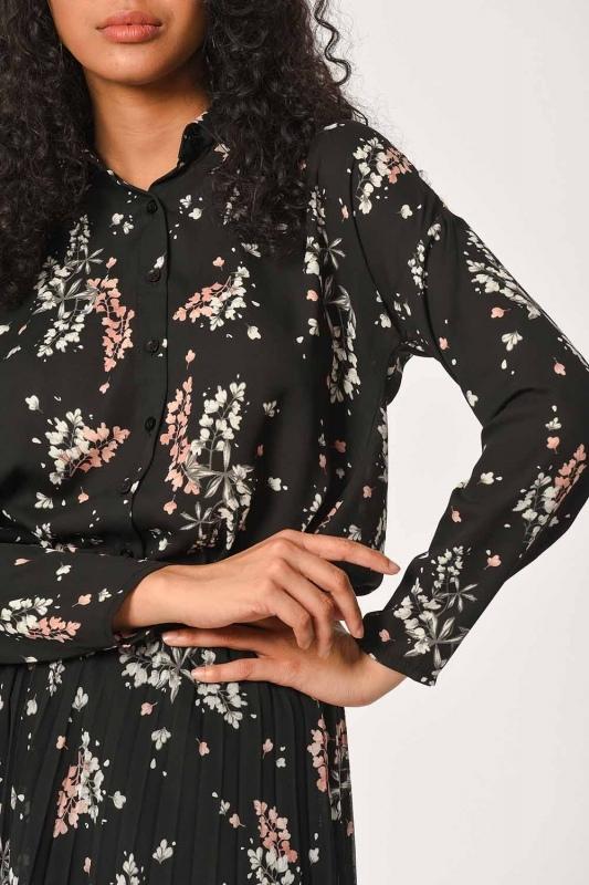 Flower Pattern Pleated Skirt (Black)