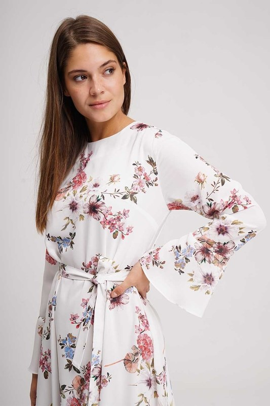 فستان طويل منقوش بالزهور (اكرو)