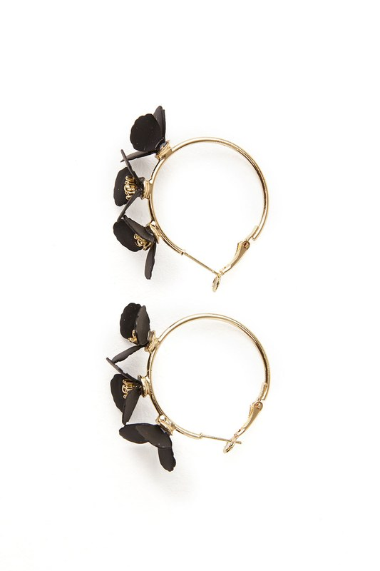 Flower Ring Shaped Earrings (Black)