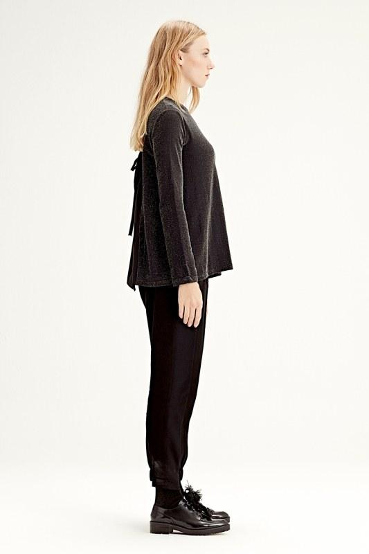Garni-Backed Blouse (Black)