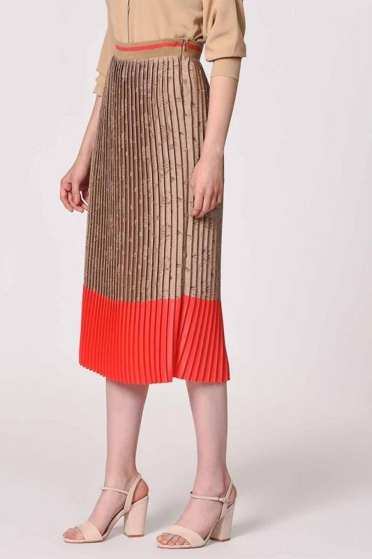 Pleated Skirt With Garnish Devore (Beige /Orange Red)