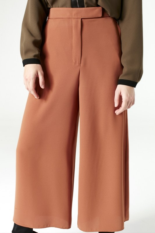 Wide Cut Trousers (Brick Red)