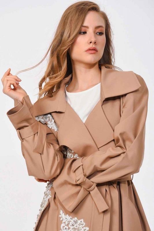 معطف من الصوف مع تصميم بنمط الخيش (البيج)