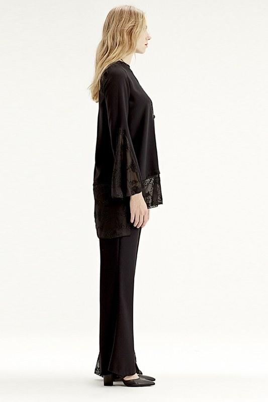 Garni-Guipure Detailed Trousers (Black)