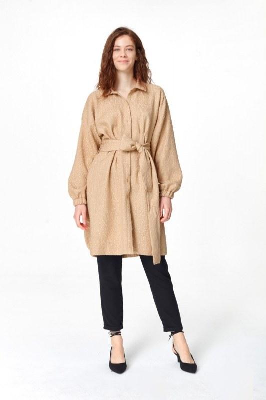 فستان تونك مع أنماط جاكار وحزام (البيج)