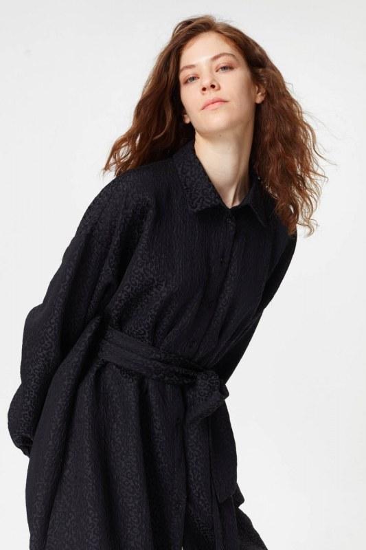 فستان تونك مع أنماط جاكار وحزام (أسود)