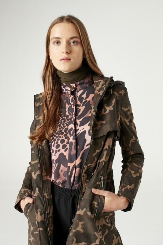 Camouflage Hooded Trenchcoat (Khaki)