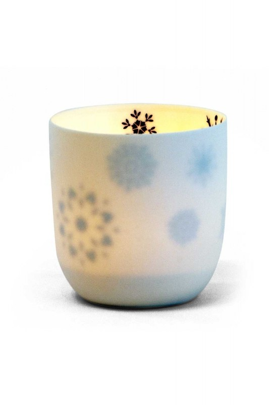 Ceramic Candle Holder With Snowflake Motives