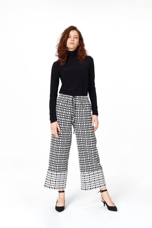 Kare Jakarlı Pantolon (Siyah/Beyaz)