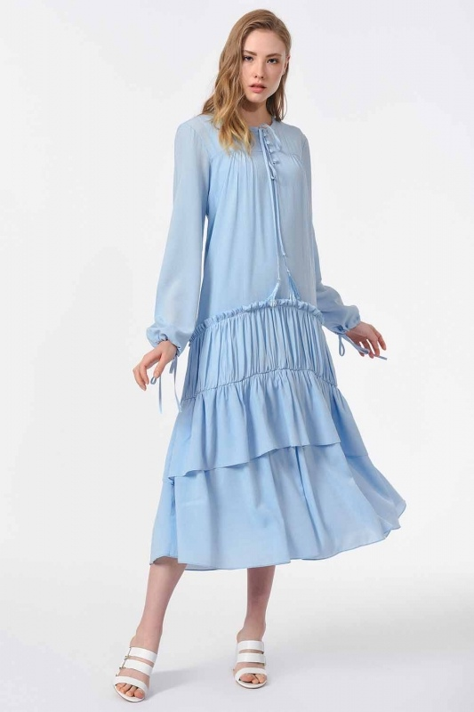 Kat Detaylı Uzun Elbise (Mavi)