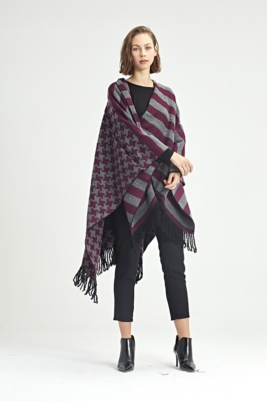 Goosefoot Patterned Poncho (Pink)