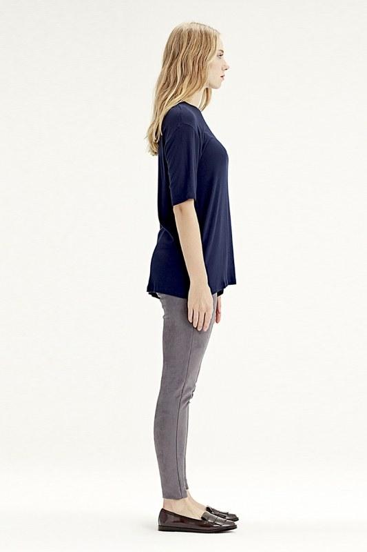 Short-Sleeved T-Shirt (Navy Blue)