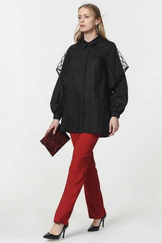 قميص بوبلين مع الأورجانزا الأكمام مفصلة (أسود)