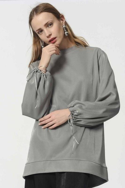 قميص ثقيل مع أكمام دانتيل مفصلة (رمادي)
