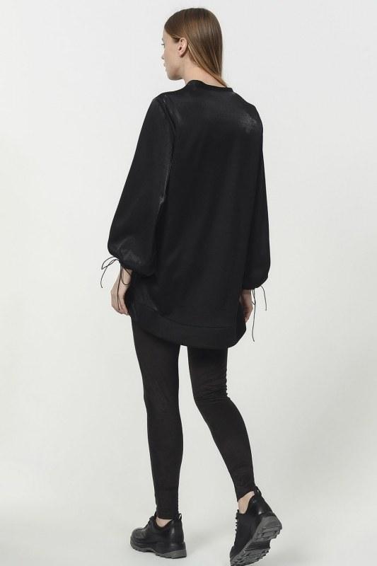 قميص ثقيل مع أكمام دانتيل مفصلة (أسود)
