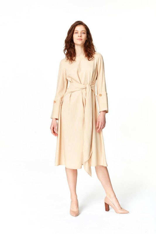 فستان مع تفاصيل زر الأكمام (البيج)