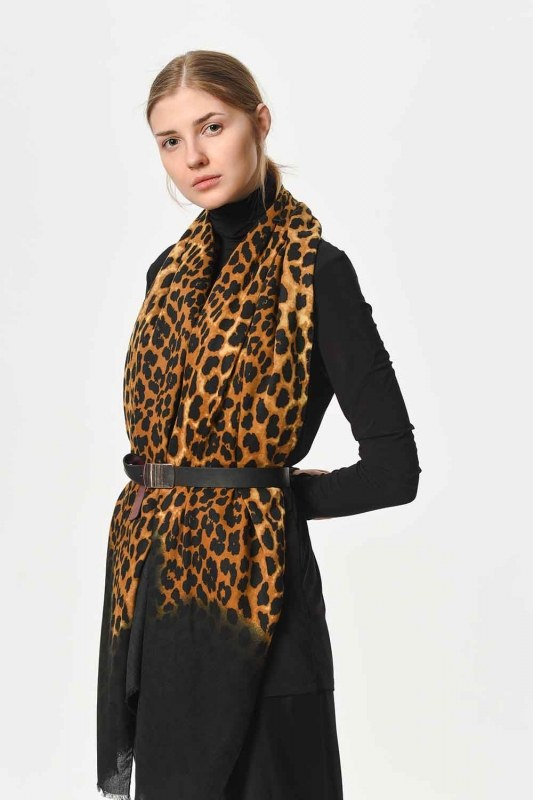 Leopard Patterned Thin Luxury Shawl (Black)