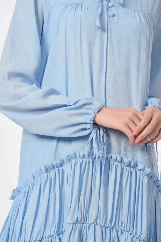 فستان طويل مع تفاصيل مطوية (أَزْرَق)