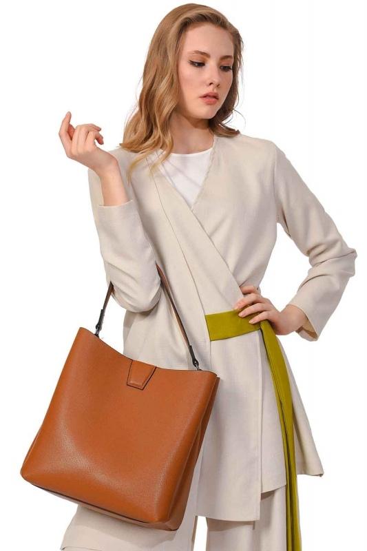 حقيبة يد كلاسيكية فاخرة (عَسَلِيّ)
