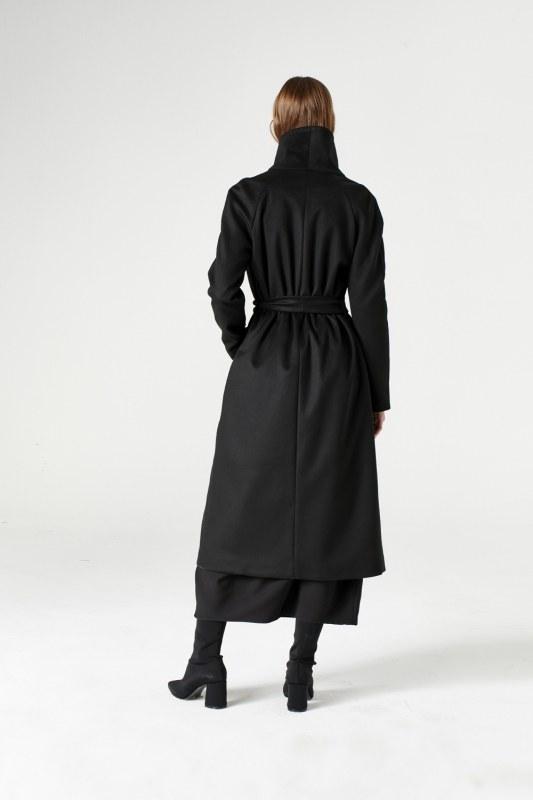 معطف بياقة واسعة (أسود)