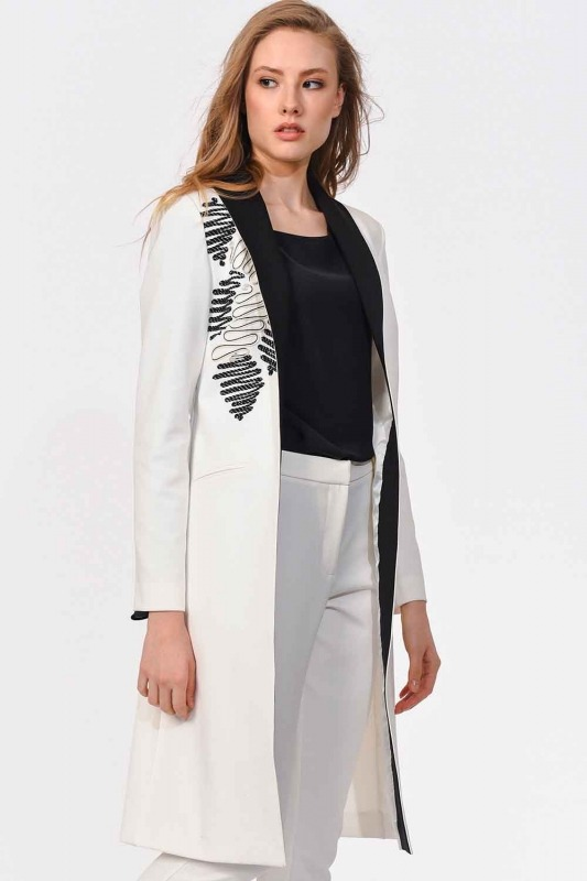 Embroidery Detailed Design Jacket (White)