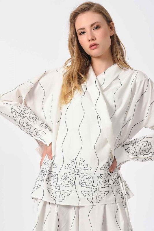 Nakış İşlemeli Tasarım Bluz (Beyaz)