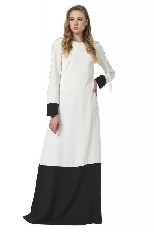 مصمم فستان ماكسي مع الكتف مطوي (أسود / أبيض)