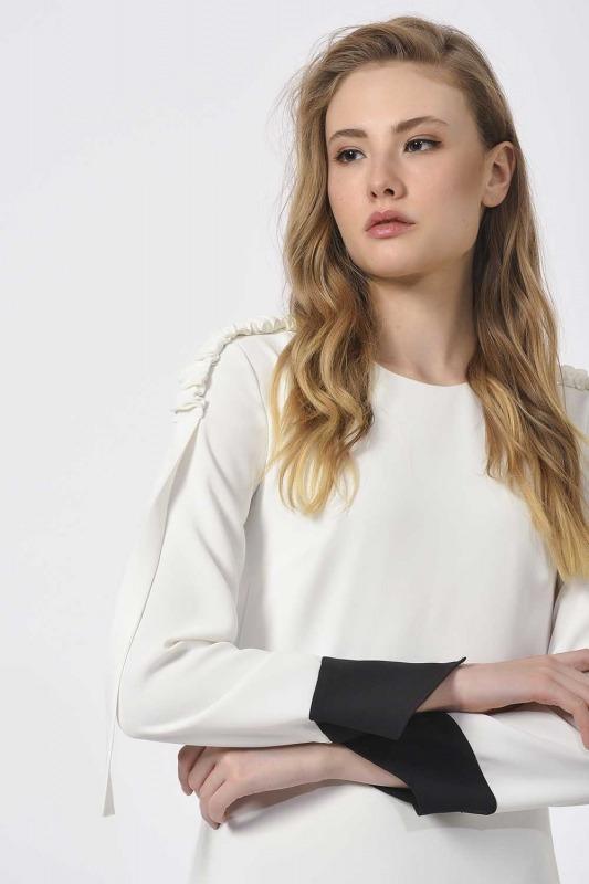 Pleated Shoulder Maxi Dress (Black/White)