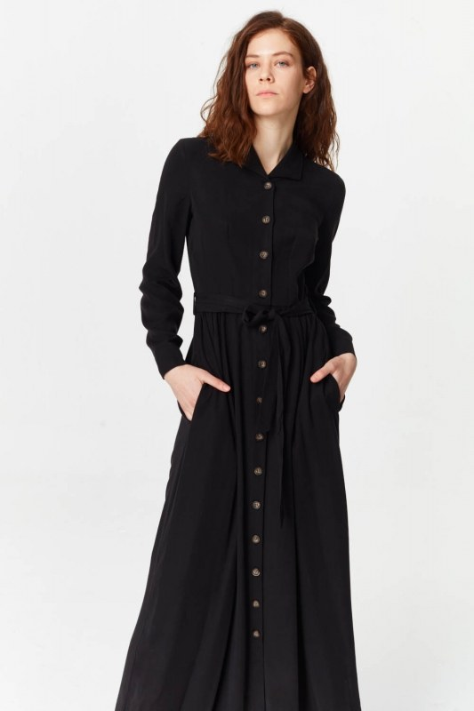 فستان بنسيج أمامي إضافي (أسود)