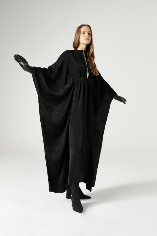 Sequin Strip Detailed Dress (Black)
