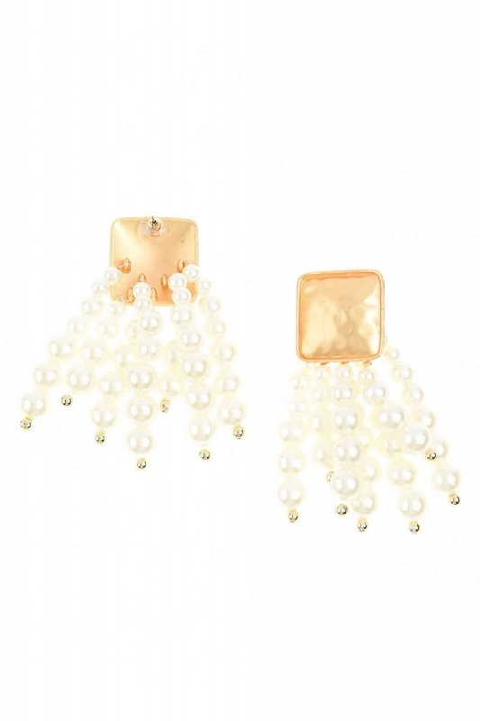 Pearl Detailed Dangling Earring (Ecru)