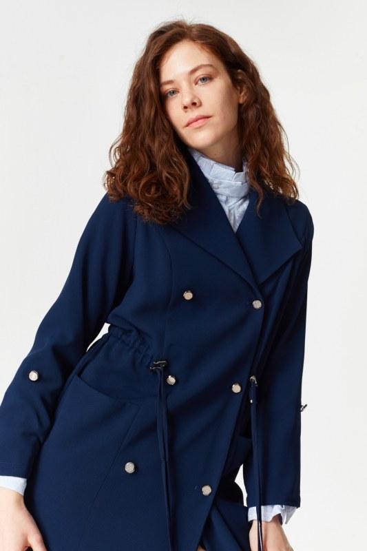 معطف الخندق مع أنسجة بايك (كُحْلِيّ)
