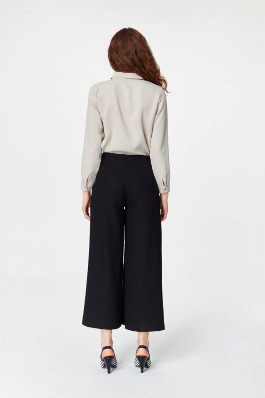 Pile Details Trousers (Black)