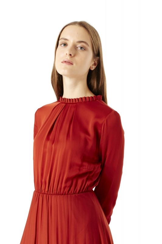 Pleated Collar Detailed Dress (Brick Red)