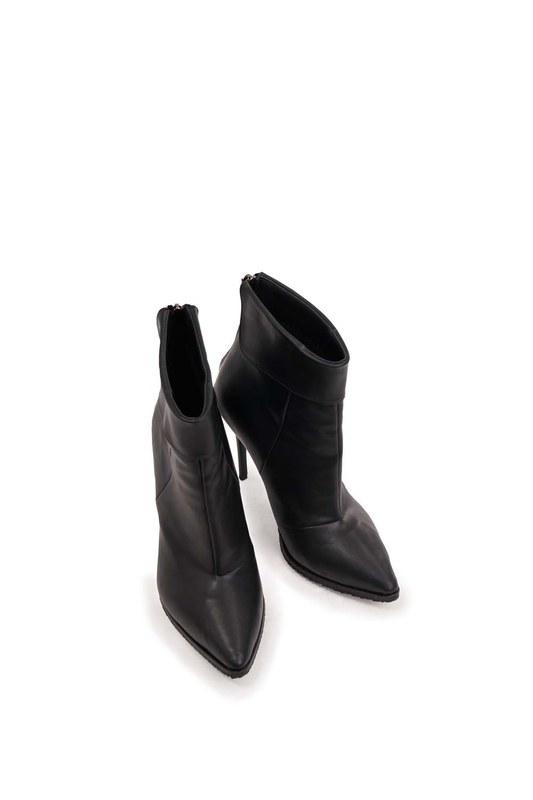 حذاء مستقيم حاد من الامام (أسود)