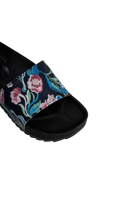 Printed Soft Sole Slippers (Black/White)
