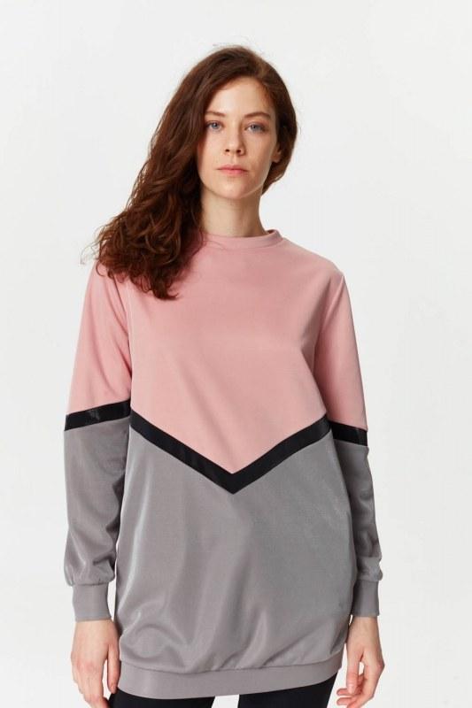 قميص ثقيل مع الألوان الانتقالية