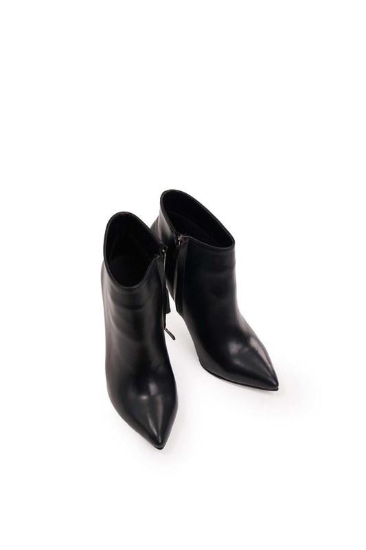 حذاء بكعب مدبب (أسود)