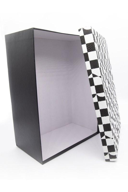 Siyah Beyaz Kare Kutu (15X22)
